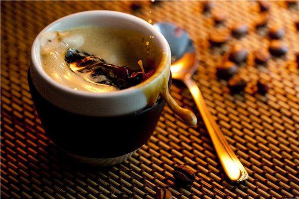 果仁咖啡加盟连锁店费用多少钱