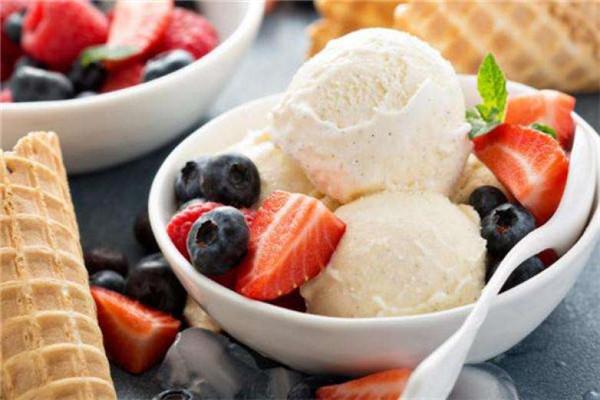 加盟冰淇淋奶茶店需要多少钱