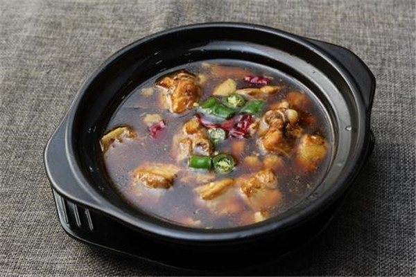 腾宇记黄焖鸡米饭加盟要多少钱