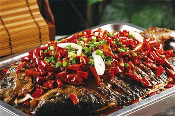 龙潮炭火烤鱼加盟条件